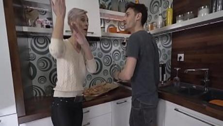 the granny Neighbor